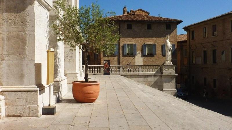 Urbino_800_09
