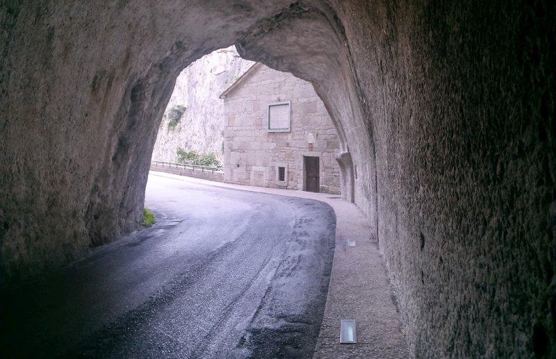 Furlo_Tunnel_01