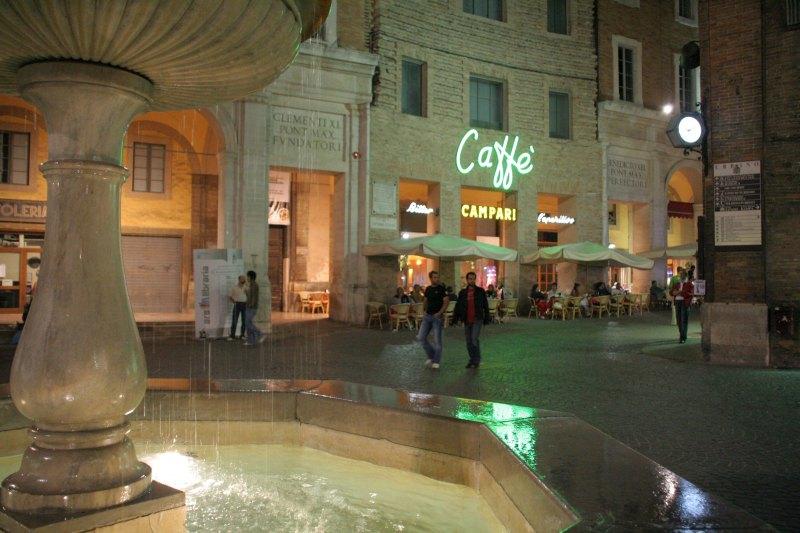 Urbino Cafe2