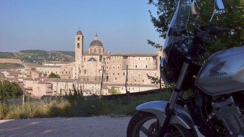 Urbino_Panorama-Bike