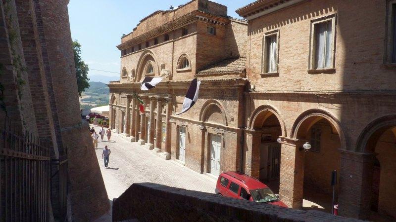 Urbino_Theatro