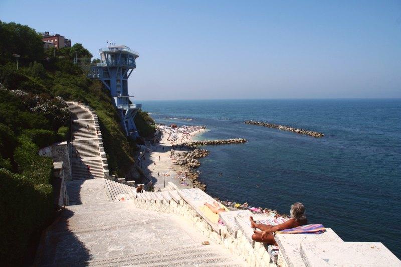 Ancona Lift 2