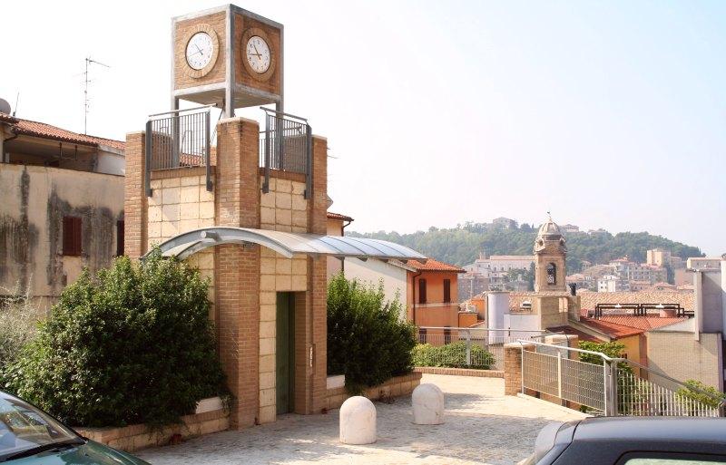 Ancona Lift